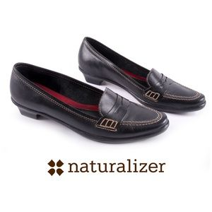 Naturalizer Black Leather Penny Loafers - EUC - 6M
